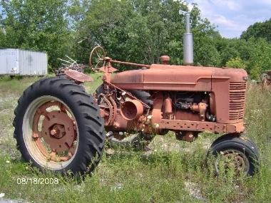 Tractor Stories – John Deere & IH Farmall