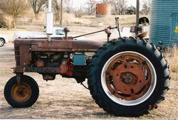 Tractor Stories – 1940 Farmall H