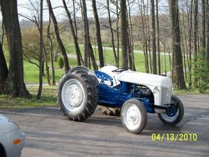 1944 ford tractor 9n